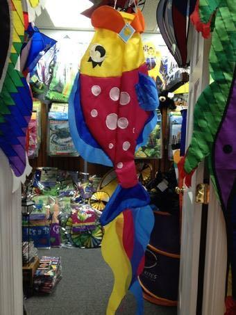 WINDSOCKS, FLAGS, KITES, GARDEN FLAGS AND LARGE FLAGS ON SALE AT BALD EAGLE FLAG STORE FREDERICKSBURG VA (540) 374-3480