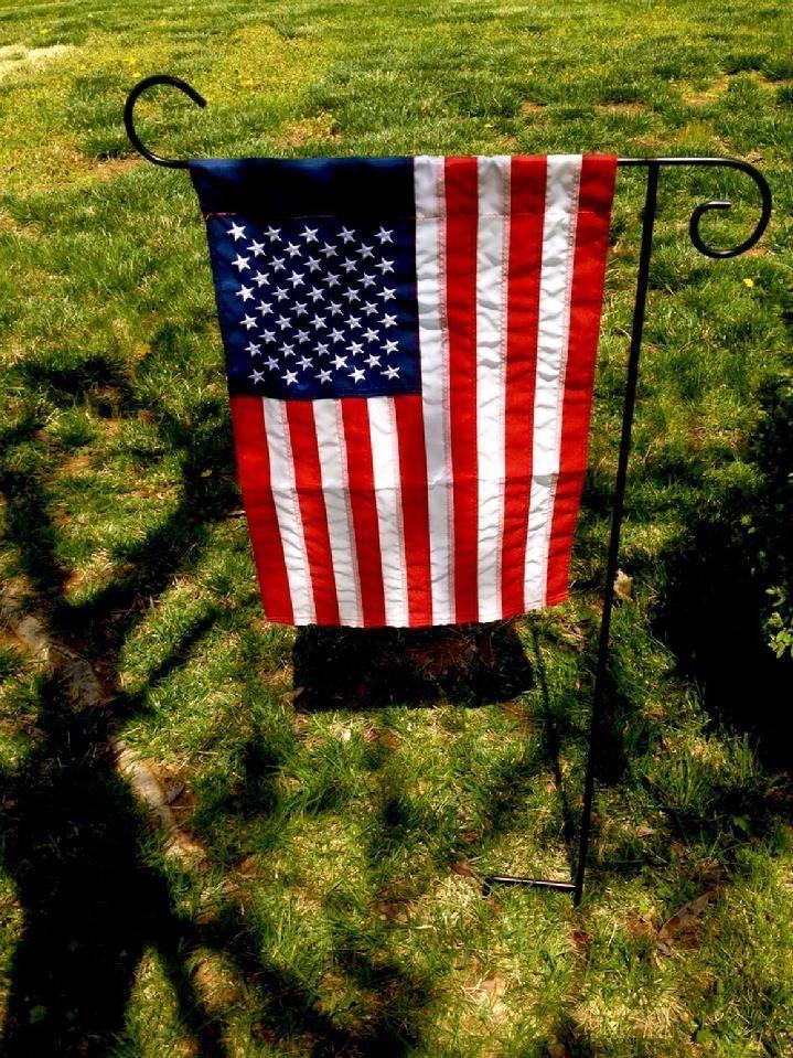 GARDEN FLAG STAND AND AMERICAN FLAG BY BALD EAGLE FLAG STORE FREDERICKSBURG VA 540-374-3480 PHOTOGRAPH BY BALDEAGLEINDUSTRIES.COM