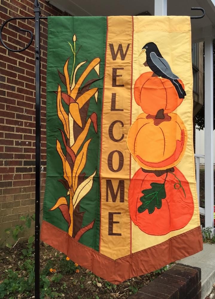 BEAUTIFUL LARGE FALL WELCOME FLAG APPLIQUÉ FLAG BY BALD EAGLE FLAG STORE FREDERICKSBURG VA USA (540) 374-3480 PHOTOGRAPH BY BALDEAGLEINDUSTRIES.COM