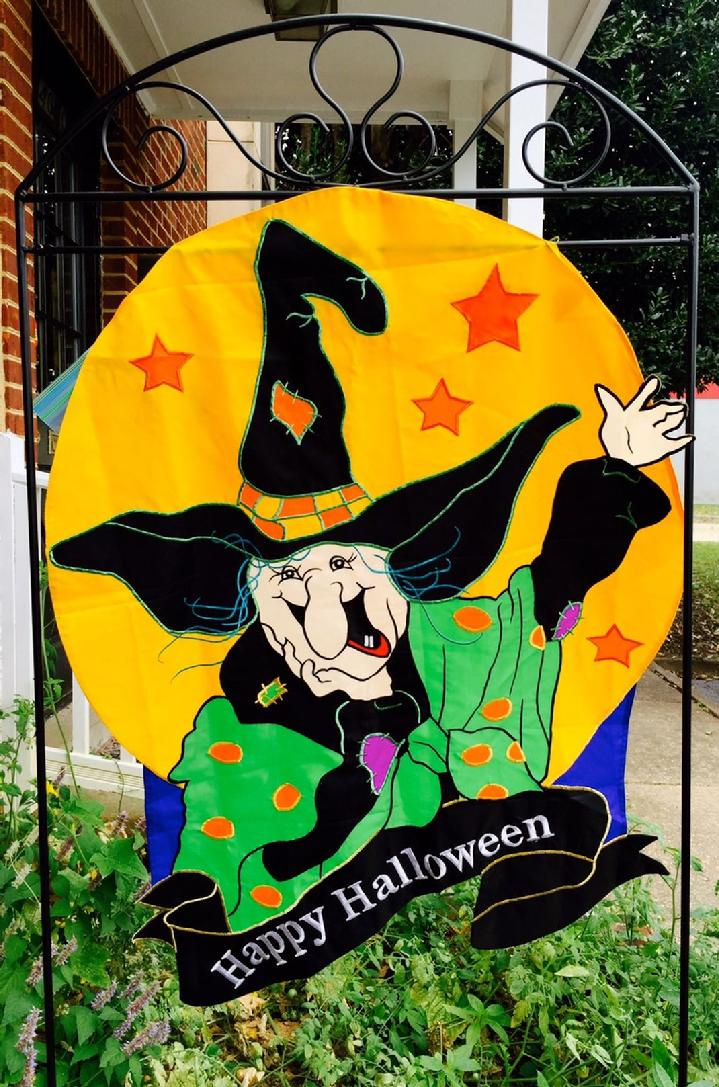 HALLOWEEN FLAG SALES AND FLAGPOLE SALES BY BALD EAGLE FLAG STORE FREDERICKSBURG VIRGINIA USA 540-374-3480 PHOTOGRAPH BY BALDEAGLEINDUSTRIES.COM