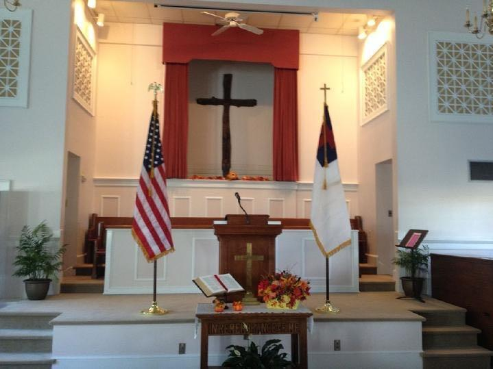 INDOOR AMERICAN FLAG AND INDOOR CHRISTIAN FLAG FOR CHURCH BY BALD EAGLE FLAG STORE SERVING  ALABAMA, ALASKA, ARIZONA, ARKANSAS, CALIFORNIA, COLORADO, CONNECTICUT, DELAWARE, FLORIDA, GEORGIA, HAWAII, IDAHO, ILLINOIS, INDIANA, IOWA, KANSAS, KENTUCKY, LOUISIANA, MAINE, MARYLAND, MASSACHUSETTS, MICHIGAN, MINNESOTA, MISSISSIPPI, MISSOURI, MONTANA, NEBRASKA, NEVADA, NEW HAMPSHIRE, NEW JERSEY, NEW MEXICO, NEW YORK, NORTH CAROLINA, NORTH DAKOTA, OHIO, OKLAHOMA, OREGON, PENNSYLVANIA, RHODE ISLAND, SOUT CAROLINA, SOUTH DAKOTA, TENNESSEE, TEXAS, UTAH, VERMONT, VIRGINIA, WASHINGTON STATE, WEST VIRGINIA, WISCONSIN, WYOMING
