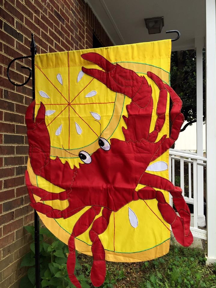 DELUXE 3D LARGE RED CRAB FLAG BY BALD EAGLE FLAG STORE DIVISION OF BALD EAGLE INDUSTRIES, PHOTOGRAPH BY BALDEAGLEINDUSTRIES.COM (540) 374-3480