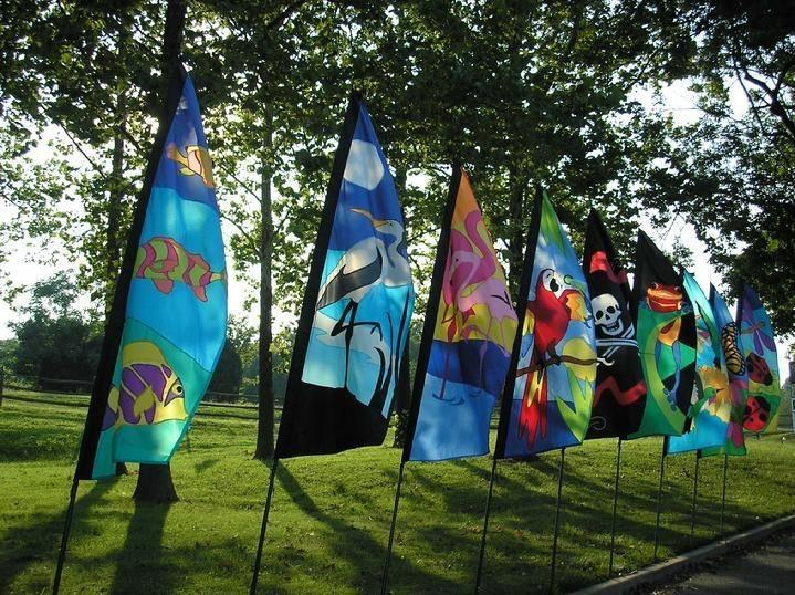 VINTAGE FISH FLAG, HERON FLAG, FLAMINGO FLAG, PARROT FLAG, PIRATE FLAG, FROG FLAG, HUMMINGBIRD FLAG, BUTTERFLY FLAG AND LADYBUG FLAG BY BALD EAGLE FLAG STORE USA, PHOTOGRAPH BY BALDEAGLEINDUSTRIES.COM (540) 374-3480