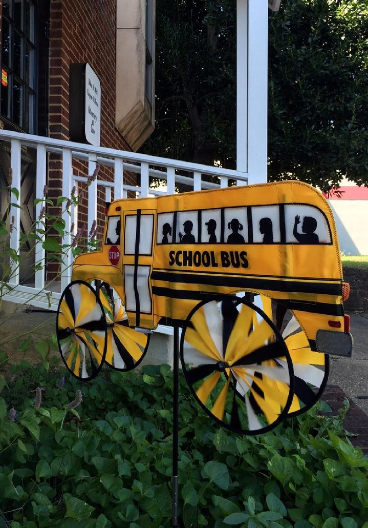 YELLOW SCHOOL BUS SPINNER BY BALD EAGLE FLAG STORE 540-374-3480 PHOTOGRAPH BY BALDEAGLEINDUSTRIES.COM